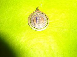Medaille 1941 FFA Charentes A Identifier Diametre 3cm - Army & War