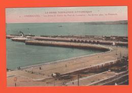 ET/181 BASSE NORMANDIE PITTORESQUE CHERBOURG LES JETEES  ENTREE DU PORT DE COMMERCE DERNIER PLAN LES FLAMANDS - Cherbourg