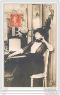 Carte Postale De Cecile SOREL Dans Sa Loge A La Comedie Francaise - Photo H. Manuel - Artisti