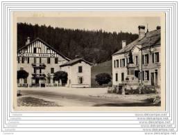 25 - LES HOPITAUX NEUFS - La Place De La Poste Et L Hotel Robbe - Sin Clasificación