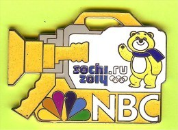 Pin's Médias NBC Camera Jaune Jeux Olympiques Sochi 2014 Ours - #794 - Medias