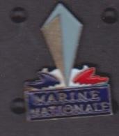 ILE DE La REUNION -  ANCIEN Pin's - MARINE NATIONALE - Army