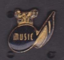 ILE DE La REUNION -  ANCIEN Pin's - MUSIC  NOTE - SAY IT WHIT - Music
