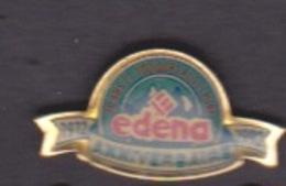ILE DE La REUNION -  ANCIEN Pin's - EAU BOUTEILLE EDENA ANNIVERSAIRE - 1972 1992  TOUJOURS AUSSI PURE - Food