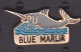 ILE DE La REUNION -  ANCIEN Pin's -CLUB PLONGÉE BATEAU DE PECHE - BLUE MARLIN - Plongée