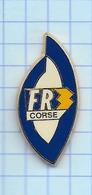 Pin's Pins / Beau  FR 3 Taillé ILE CORSE Estampillé Béraudy. - Medios De Comunicación