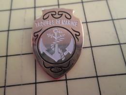 413b Pin's Pins / Rare Et Beau THEME MILITARIA / ANCRE ET CORDAGE INSIGNE DES TROUPES DE MARINE Ben Et Celles De Marion? - Army