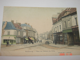 C.P.A.- Neubourg (27) - Rue De L'Hôtel De Ville - 1920 - SUP (AA7) - Frankrijk