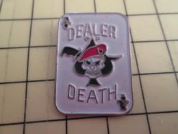 413f Pin's Pins / Rare Et Beau THEME MOTOS / VIETNAM DECULOTTEE POUR USA CARTE A JOUER DEALER DEATH AS DE PIQUE - Militair & Leger