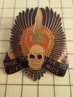 413G Pin's Pins / Rare Et Beau THEME MOTOS / Très Grand Pin's De Biker TETE DE MORT ETC ... LIVE TO RIDE RIDE TO LIVE - Motorbikes