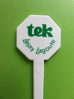 048 - Touilleur - Agitateur - Mélangeur à Boisson - Sirop Tek - Lejay Lagoute - Vert - Swizzle Sticks