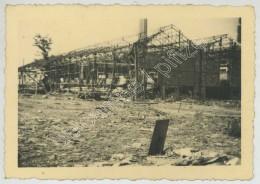 Guerre De 1939-45 . 4 Photos De La Poudrerie De Toulouse Détruite . - Guerre, Militaire