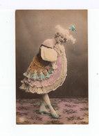 Carte Photo. Femme Avec Robe à Volants, Chapeau Fantaisie. (2945) - Femmes
