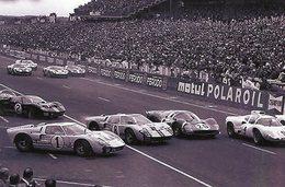 24 Heures Au Mans 1966 -  Bouchon à La Départ  -  Ford GT40's-Ferrari-Chaparral   -  15x10 PHOTO - Le Mans