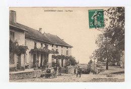 Courtenay. La Place. Charrette à Bras. Bicyclette. (2951) - France