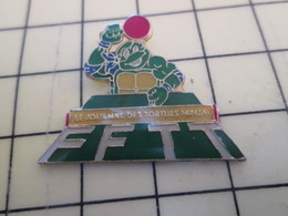 2317 : Pin's Pins / RARE & BELLE QUALITE / THEME : SPORTS /  FFTT TORTUE NINJA TENNIS DE TABLE PING PONG - Table Tennis