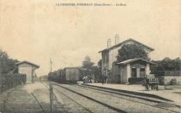 79 LA FERRIERE THENEZAY LA GARE ANIMEE - TRAIN - Thenezay