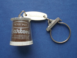 "Ancien Porte Clefs. Yaourt "" MARTENS "" Chocolat - Porte-clefs"
