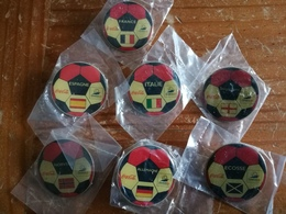 7 Coca Cola Promotional FIFA Football/Soccer World Cup France 1998 Pins - Football