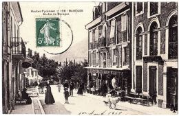 65 - B56524CPA - BAREGES - Sortie De Bareges, Magasin - Carte Recoupee - Assez Bon état - HAUTES-PYRENEES - Non Classés