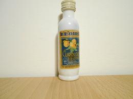 Mignon Brotto Curacao 1 - Miniatures