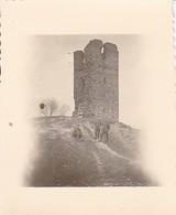 Foto Deutsche Soldaten Vor Ruine In Vonisilki (?) - 2. WK - 5,5*5,5cm (35114) - Krieg, Militär