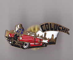 PIN'S THEME COLUCHE ET SA VOITURE AMERICAINE - Celebrities