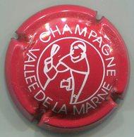 CAPSULE-CHAMPAGNE VALLEE DE LA MARNE DOM PERIGNON N°10 Rouge & Blanc Dessin épais - Vallée De La Marne