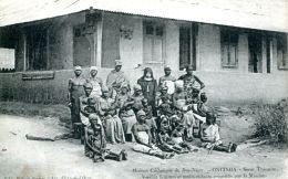 N°1144 A -cpa Mission Catholique Du Bas Niger -Onitsha- - Niger