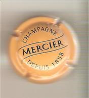 CAPSULE MUSELET CHAMPAGNE MERCIER ( NOIR SUR JAUNE) - Mercier