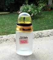"""Flacon Spray """"FRAGILE""""  De JEAN-PAUL GAULTIER  Eau De Toilette 50 Ml Bouchon Aimanté  Boule à Neige VIDE - Bottles (empty)"""