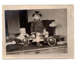 Photo Ancienne Voiture à Pédales Jouet Ancien - Objects