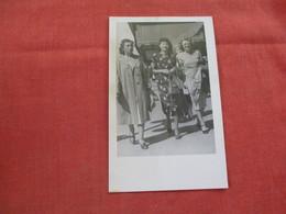 RPPC  3 Women  Ref 2980 - Fashion