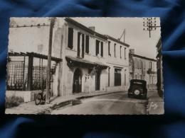Ile D'Oléron  Saint Trojan Les Bains  Hotel Coop - Automobile, Bicyclette - Ed. Suz - Circulée 1954 - R188 - Ile D'Oléron