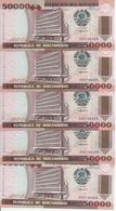 MOZAMBIQUE 50000 METICAIS 1993 UNC P 138 ( 5 Billets ) - Mozambique