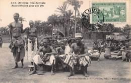 CPA SENEGAL AFRIQUE OCCIDENTALE  FORTIER  RASSEMBLEMENT POUR UNE FETE - Sénégal