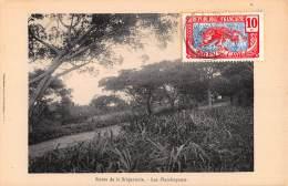 CPA REPUBLIQUE FRANCAISE CONGO  ROUTE DE LA BRIQUETERIE LES FLAMBOYANTS - Congo Français - Autres