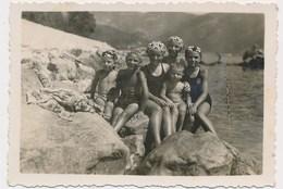 REAL PHOTO Ancienne Group Kids Cute Boys And Girls On Beach Enfants Garcons Et Fillettes Sur Plage Old Orig - Non Classés