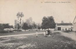 89 - LEUGNY - Le Champ De Foire - Sonstige Gemeinden