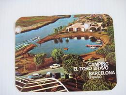 CALENDRIER CALENDARIO PARA  CAMPING EL TORO BRAVO BARCELONA Espana 1967   T.B.E  2 Trous De Classeur - Calendars