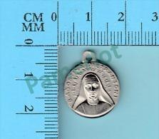 Medaille Reliquaire - Relique De :  Bh. Agostina Pietrantoni - Ex Indumentis - 2 Scans - Religion & Esotericism