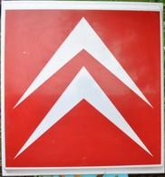 Rare 1  Plaque Enseigne Lumineuse Double Face CITROEN Années 85 Sans Support   Format 74 X 80 Cm - Advertising (Porcelain) Signs