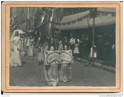 87 Tirage Albuminé D'époque Fin 19ème   OSTENSIONS ,    PHOTO Ancienne 12,5 X 9,5 Sur Carton - Anonymous Persons