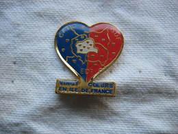 Pin's De La CFTC Du Groupe GDF-EDF. Vingt Coeurs En Ile De France - Administrations