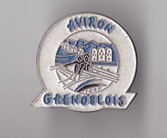 PIN'S THEME SPORT AVIRON CLUB DE GRENOBLE  EN ISERE - Rowing