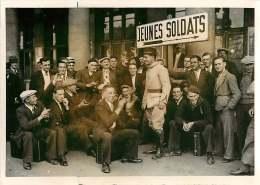 100618A - PHOTO DE PRESSE 1938 GUERRE MILITARIA Soldats Gare Train Garnison De L'Est Classe 38 - Guerra, Militares