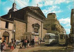 CPM  De  SAINT-ETIENNE  (42)  -  Rue  Gambetta  -  2  Tramways -  L' Eglise  St-Louis    //  TBE - Saint Etienne