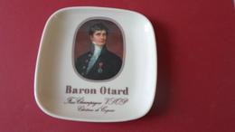 CENDRIER  BARON OTARD FINE CHAMPAGNE  CHATEAU DE COGNAC   ****   A   SAISIR ***** - Asbakken