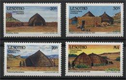 LESOTHO, TRADITIONAL HOUSES 1993, MNH SET - Lesotho (1966-...)