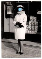 FOTO FOTOGRAFÍA OLD PHOTO MUJER CHICA WOMAN GIRL BONITO VESTIDO ROPA MODA FASHION HAT SOMBRERO SPAIN ? LATINOAMÉRICA ? - Personas Anónimos